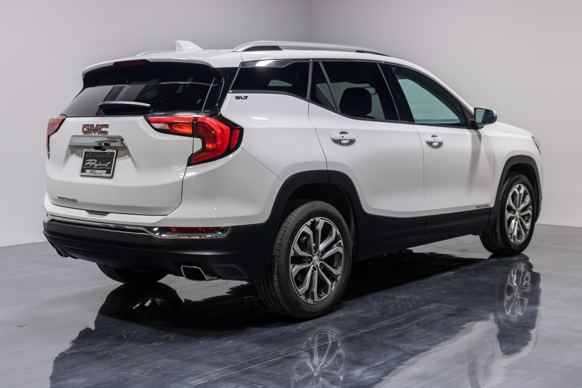 Used 2019 GMC Terrain SLT Sport Utility 4D for sale Sold at Perfect Auto Collection in Akron OH 44310 4