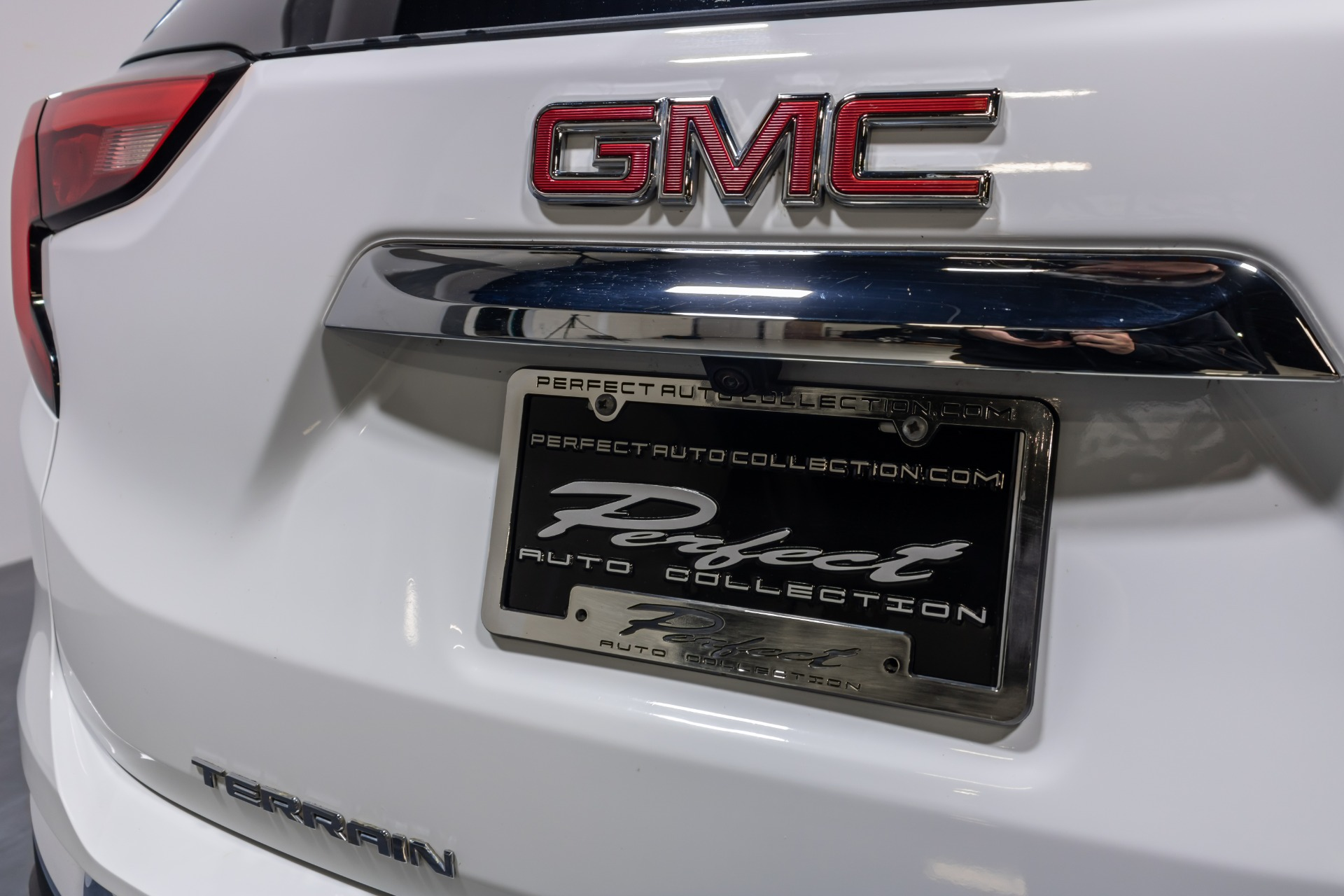 Used 2019 GMC Terrain SLT Sport Utility 4D