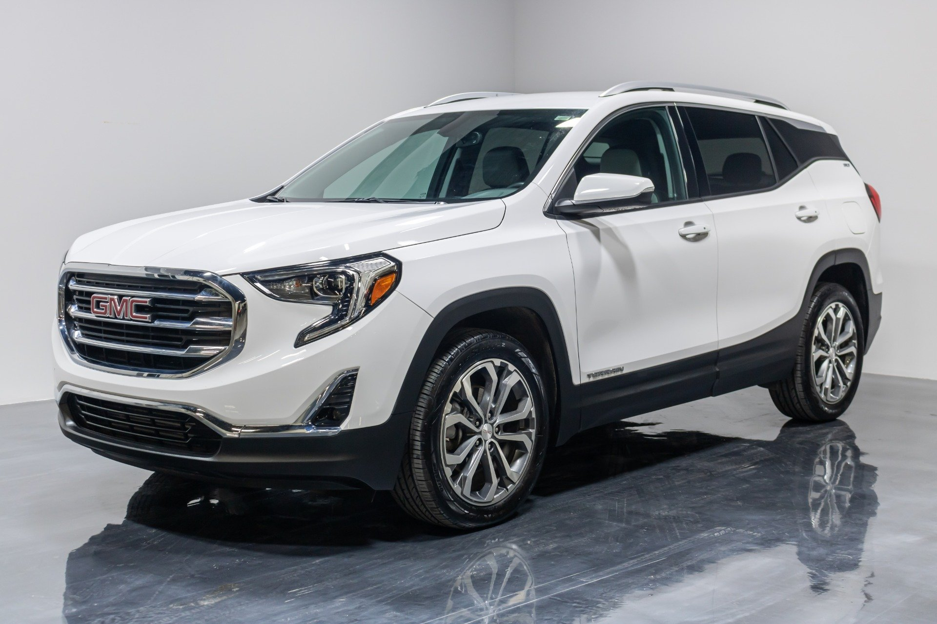 Used 2019 GMC Terrain SLT Sport Utility 4D for sale Sold at Perfect Auto Collection in Akron OH 44310 1