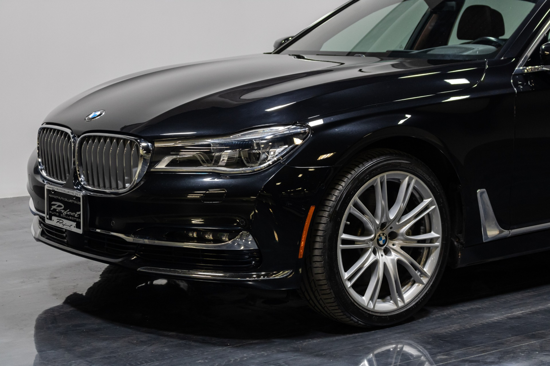 Used 2016 BMW 7 Series 750i xDrive Individual for sale Sold at Perfect Auto Collection in Akron OH 44310 3