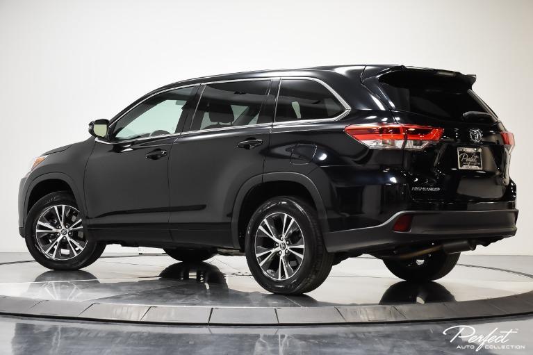 Used 2018 Toyota Highlander LE