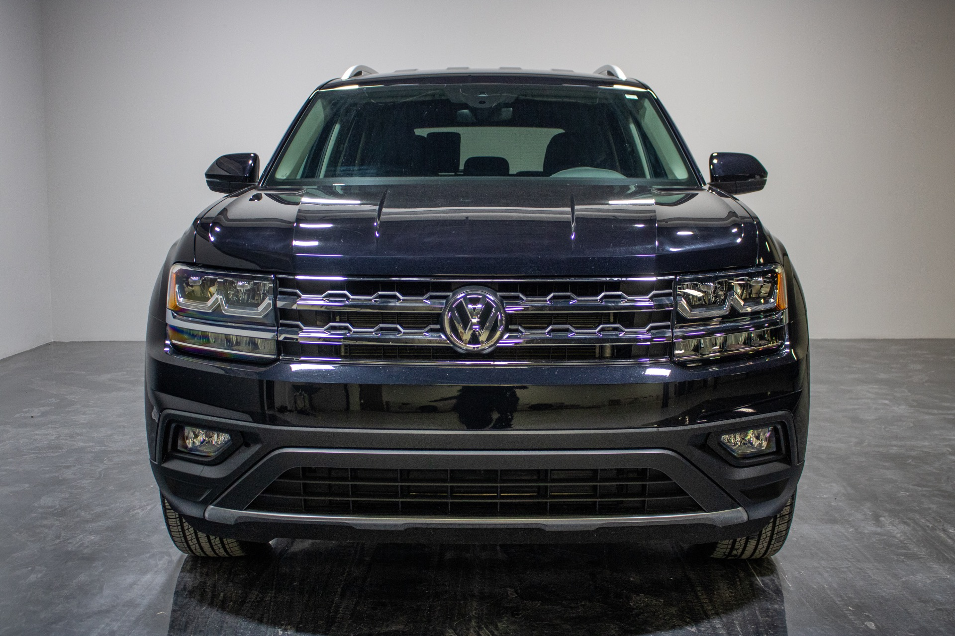 Used 2019 Volkswagen Atlas SE 4Motion w/Tech Pkg Sport Utility 4D for sale Sold at Perfect Auto Collection in Akron OH 44310 4