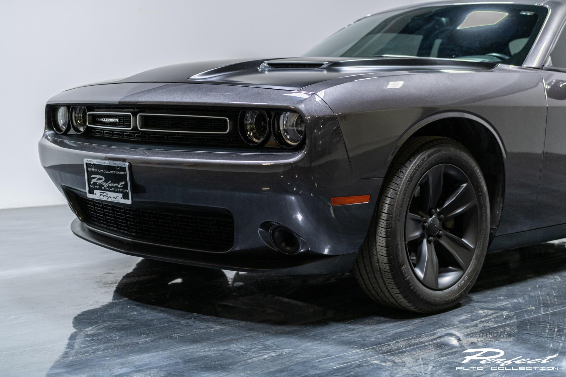 Used 2016 Dodge Challenger SXT for sale Sold at Perfect Auto Collection in Akron OH 44310 3