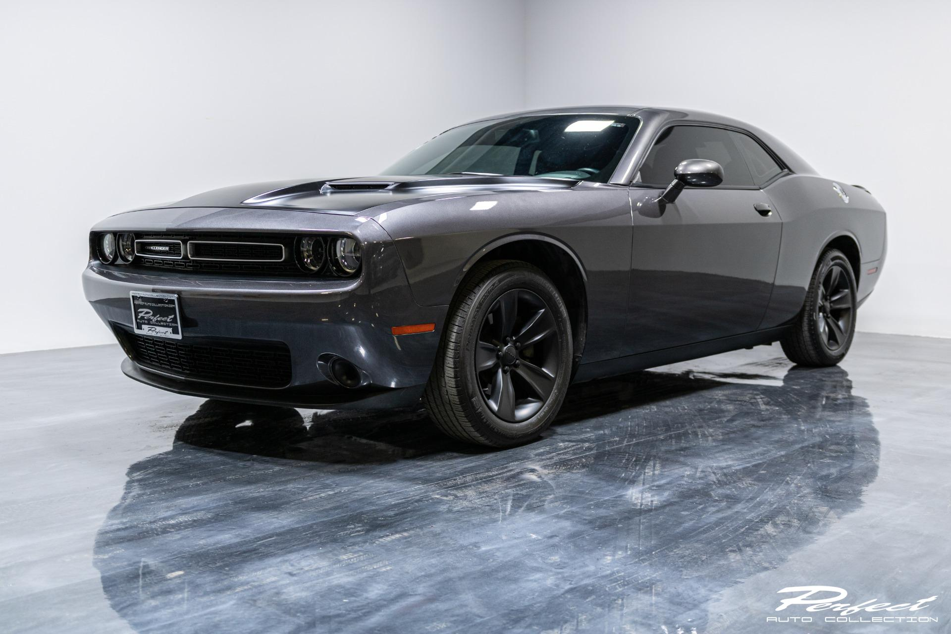 Used 2016 Dodge Challenger SXT for sale Sold at Perfect Auto Collection in Akron OH 44310 1