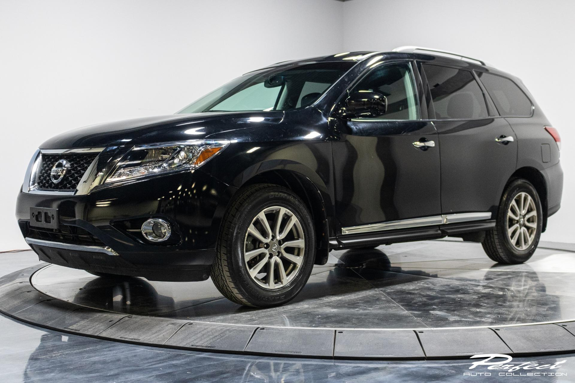 Used 2014 Nissan Pathfinder Platinum for sale $15,893 at Perfect Auto Collection in Akron OH 44310 1