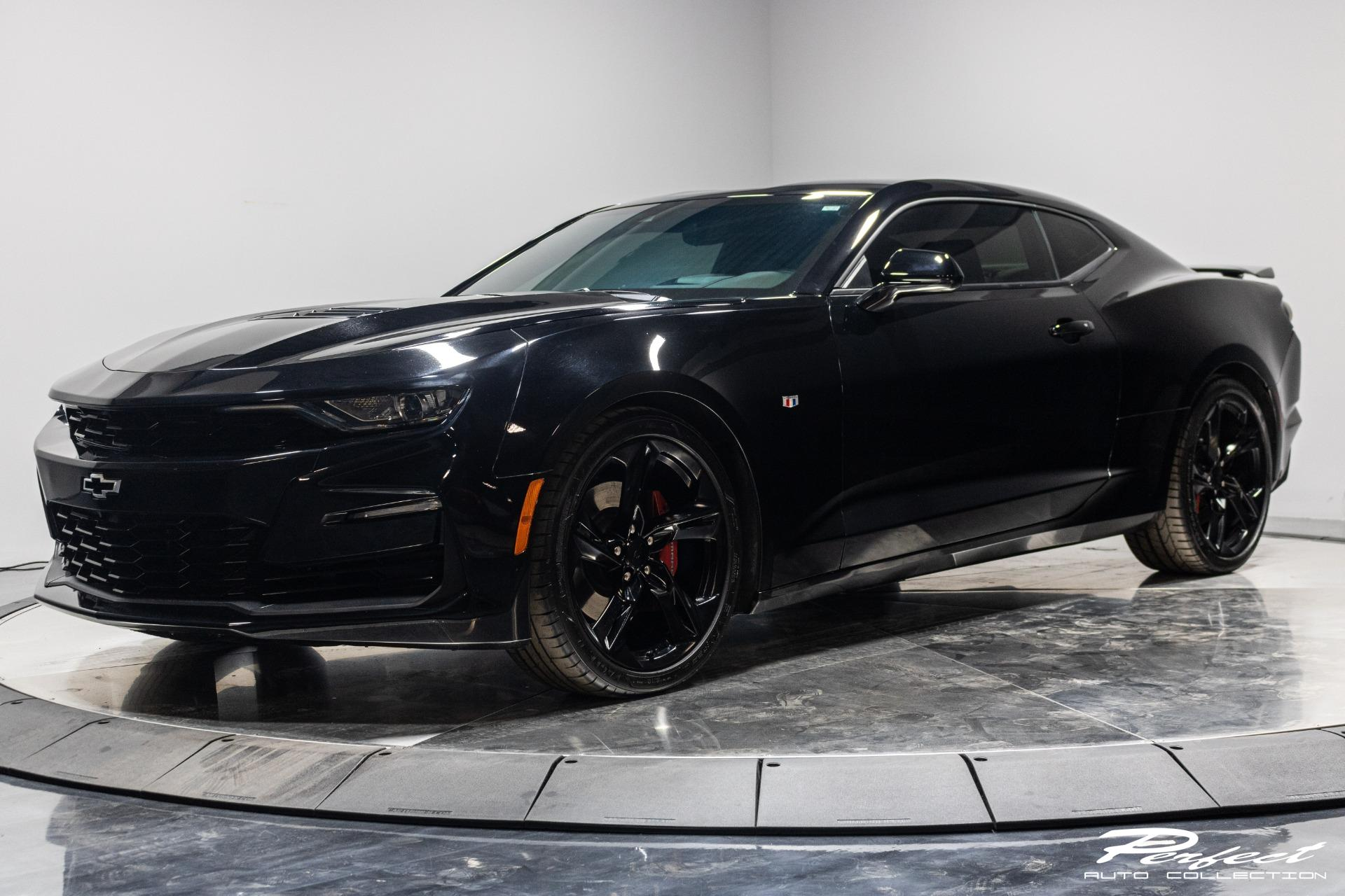 Used 2019 Chevrolet Camaro SS for sale $31,993 at Perfect Auto Collection in Akron OH 44310 1
