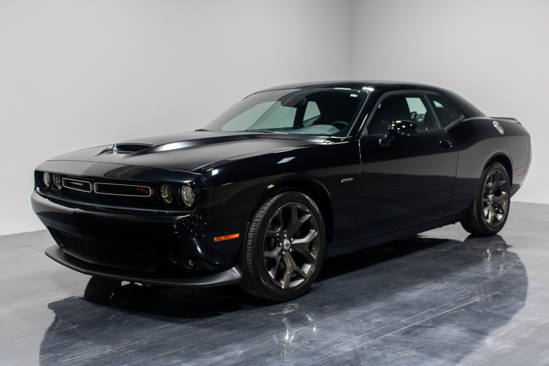 Used 2019 Dodge Challenger R/T Coupe 2D for sale Sold at Perfect Auto Collection in Akron OH 44310 1