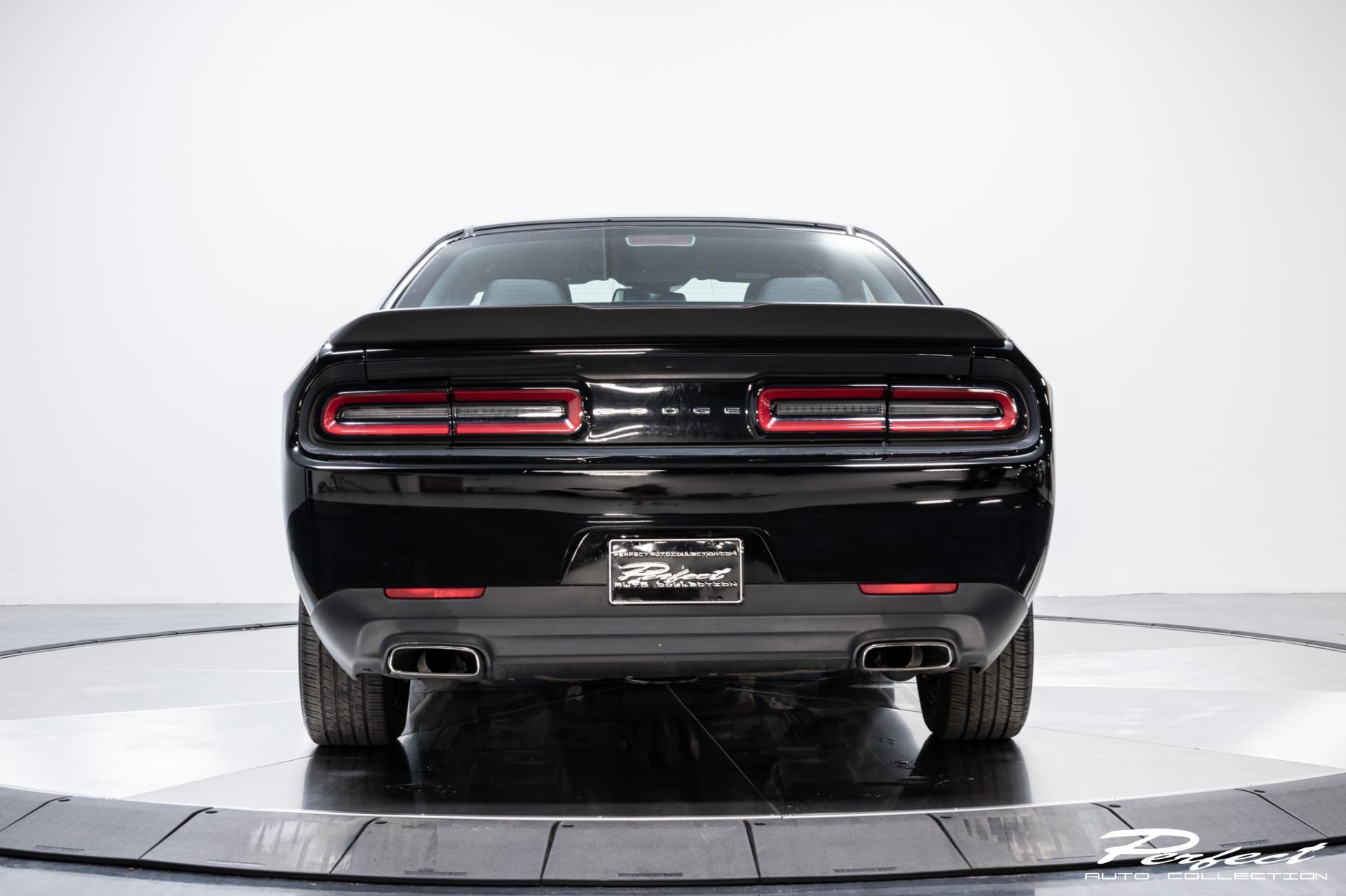 Used 2016 Dodge Challenger SXT