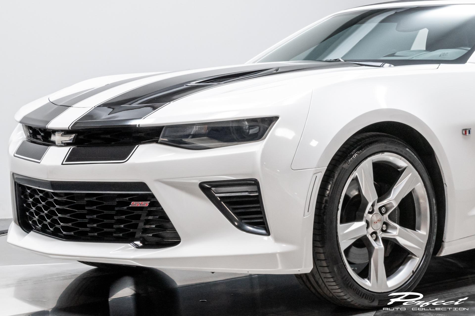 Used 2016 Chevrolet Camaro SS for sale Sold at Perfect Auto Collection in Akron OH 44310 3