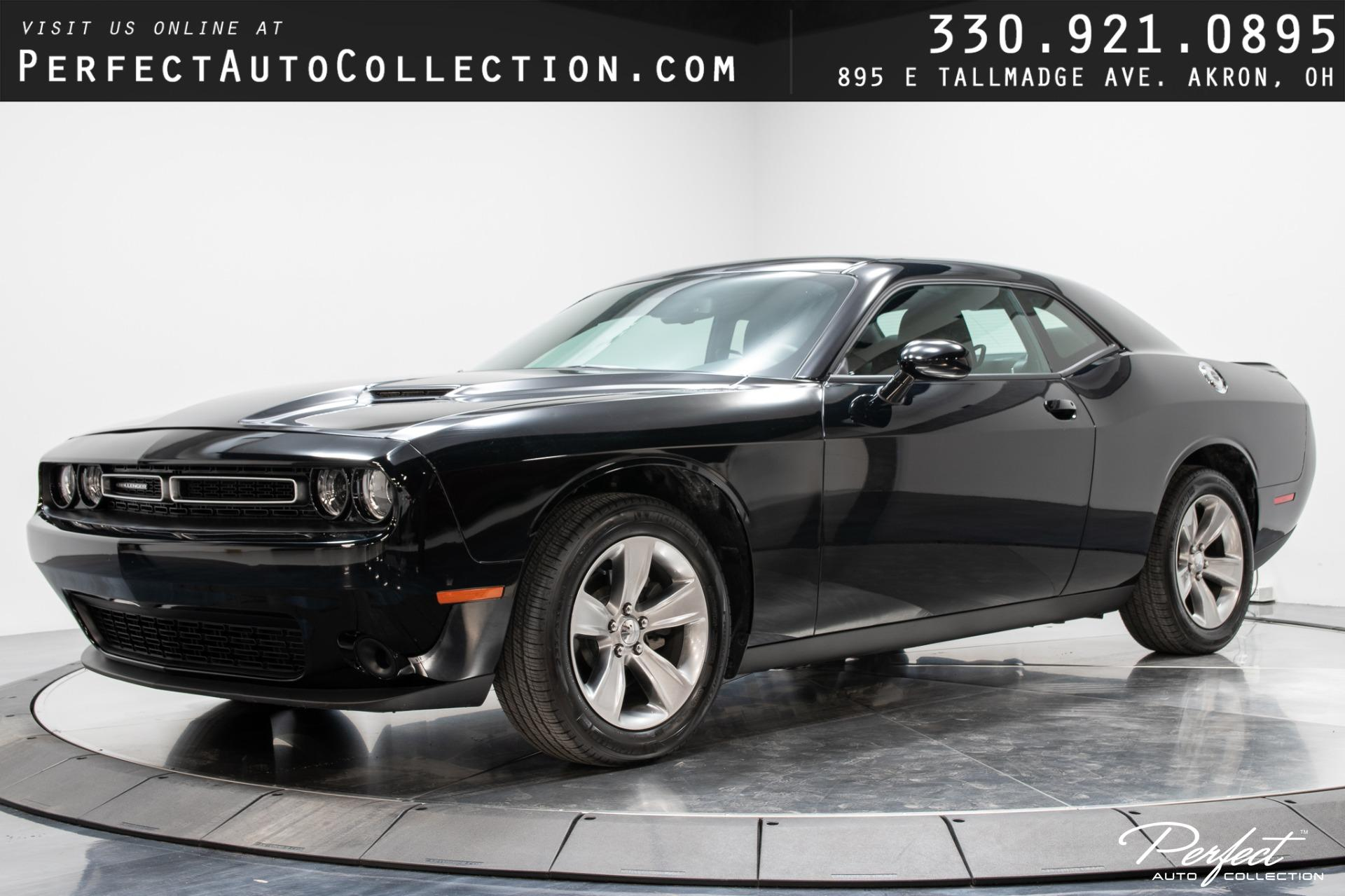 Used 2020 Dodge Challenger SXT for sale $26,395 at Perfect Auto Collection in Akron OH 44310 1