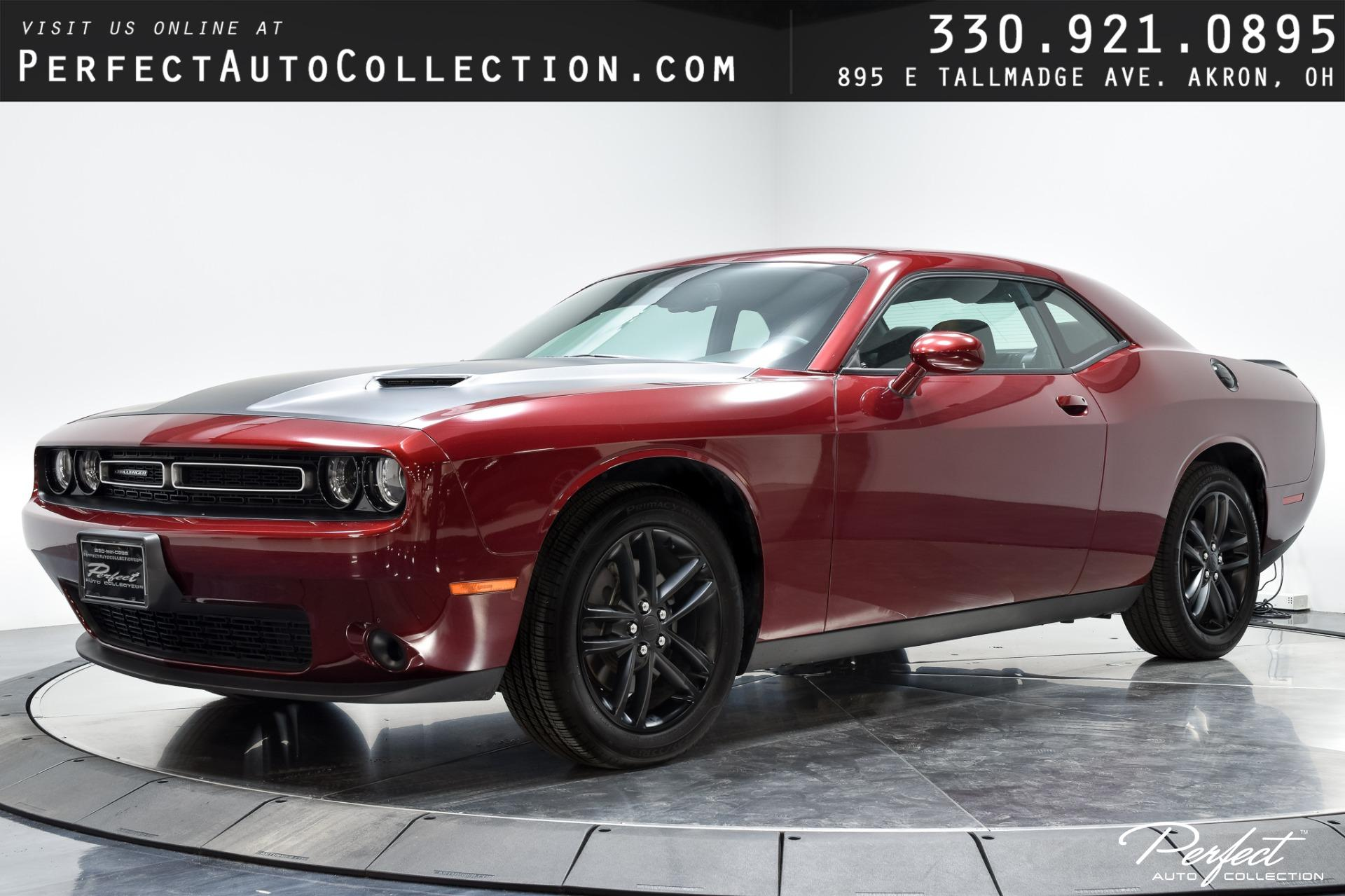 Used 2019 Dodge Challenger SXT for sale $25,395 at Perfect Auto Collection in Akron OH 44310 1