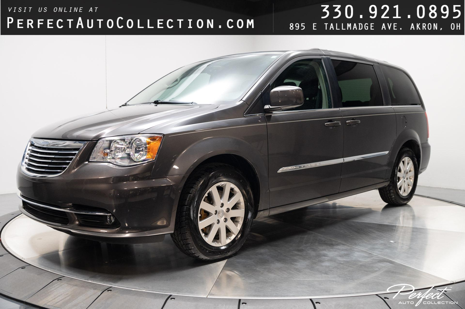 Used 2016 Chrysler Town and Country Touring for sale $11,995 at Perfect Auto Collection in Akron OH 44310 1