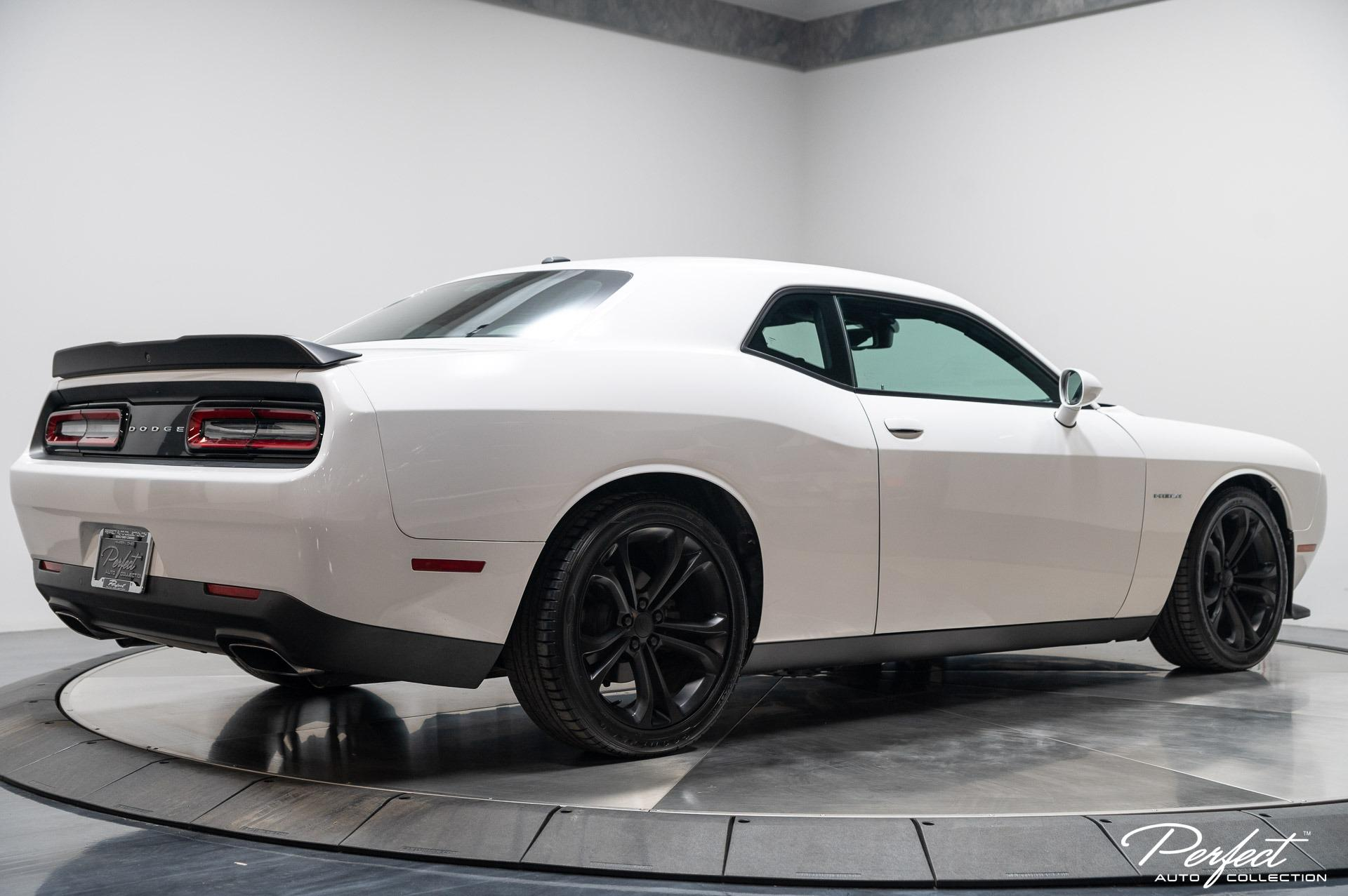 Used 2020 Dodge Challenger R/T for sale $29,993 at Perfect Auto Collection in Akron OH 44310 4
