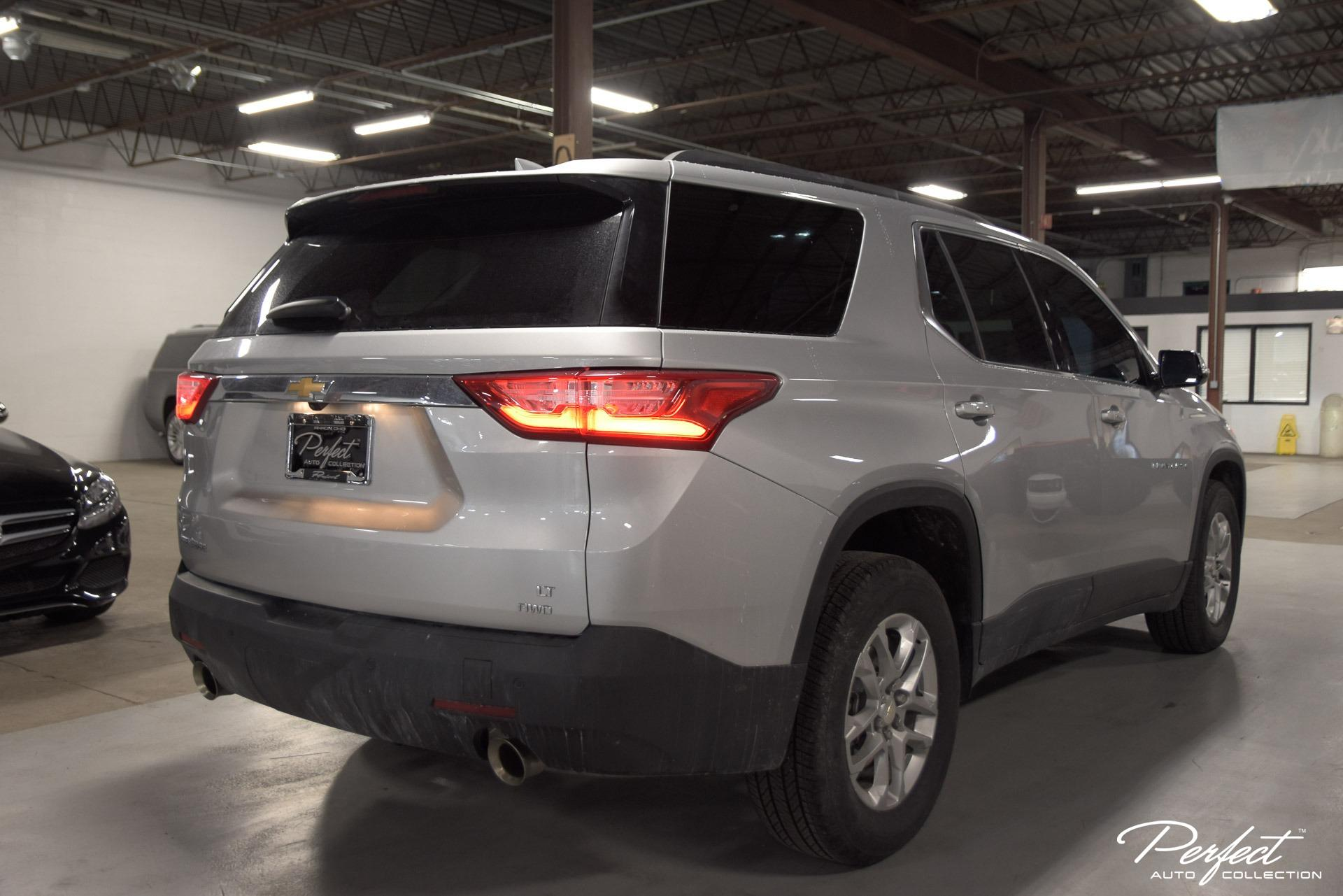 Used 2020 Chevrolet Traverse LT Leather for sale Sold at Perfect Auto Collection in Akron OH 44310 4