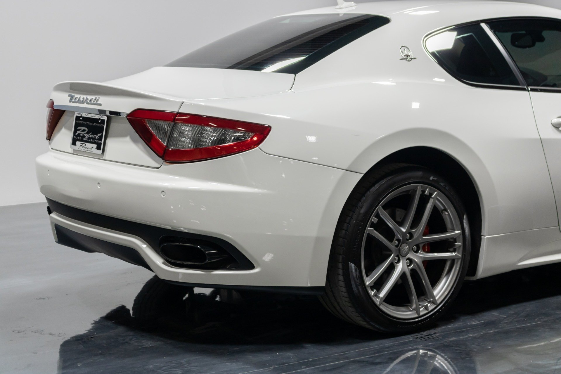 Used 2015 Maserati GranTurismo Sport for sale Sold at Perfect Auto Collection in Akron OH 44310 4
