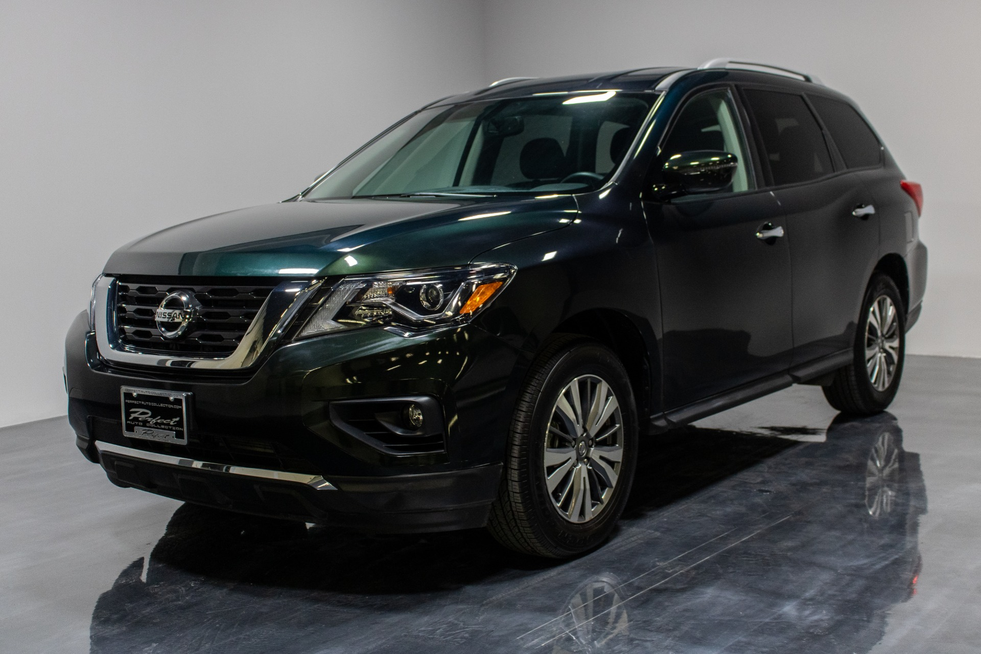 Used 2019 Nissan Pathfinder SV Sport Utility 4D for sale Sold at Perfect Auto Collection in Akron OH 44310 1