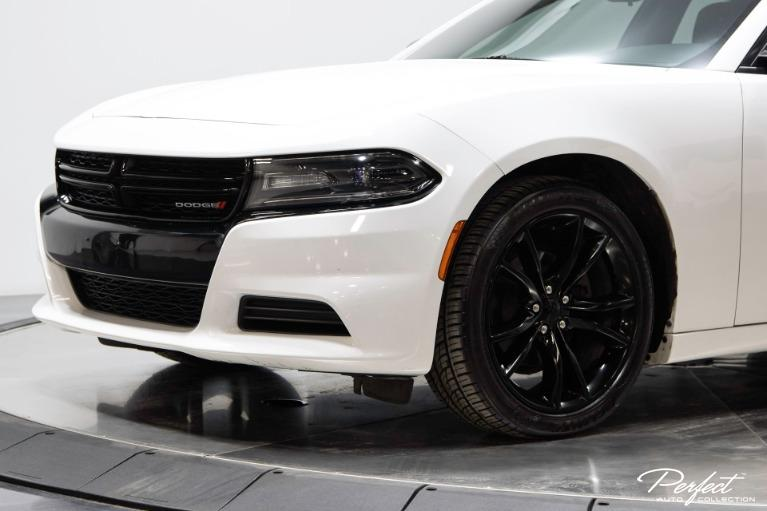 Used 2016 Dodge Charger SE