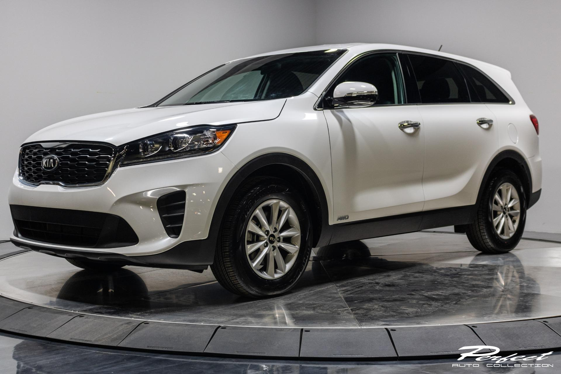 Used 2020 Kia Sorento LX V6 for sale Sold at Perfect Auto Collection in Akron OH 44310 1